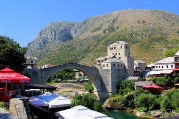 Vaizdas nuo mečetės link Senojo tilto