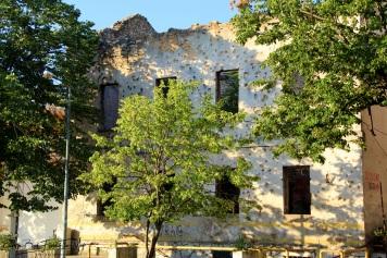 Pastatų griuvėsiai po Bosnijos karo, 2012 m.