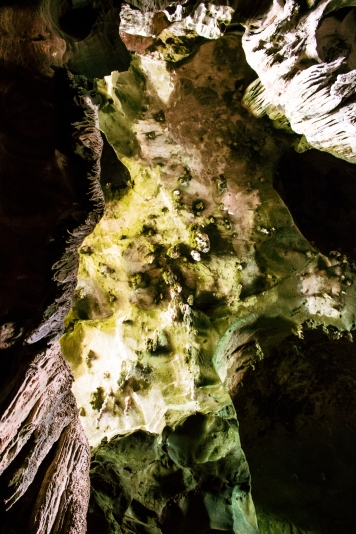 Uolos lūbos