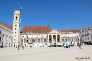 Karališkieji rūmai ir didysis universiteto kiemas